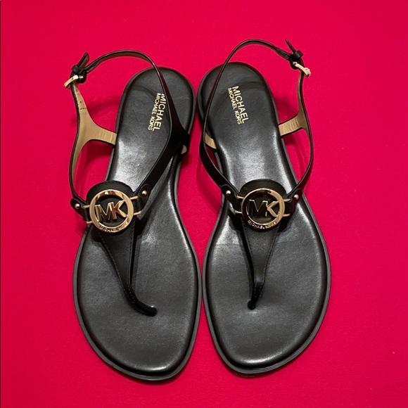 MICHAEL KORS Black Flat  Size 8.5